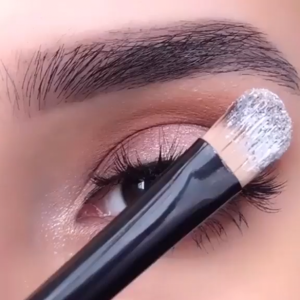 makeup  eyes  tutorial  glam  makeuptips  makeupideas  makeuptutorial  makeupvideos  makeup  eyemakeup  eyemakeuptips  eyemakeuptutorial  falselashes #
