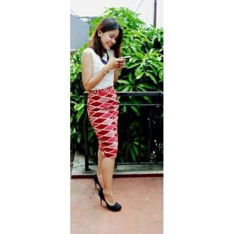 Rang Rang Divya Red Short  Rp 99k Line eleradesign  #skirt #stylish #chic #glamour #fashion #formal