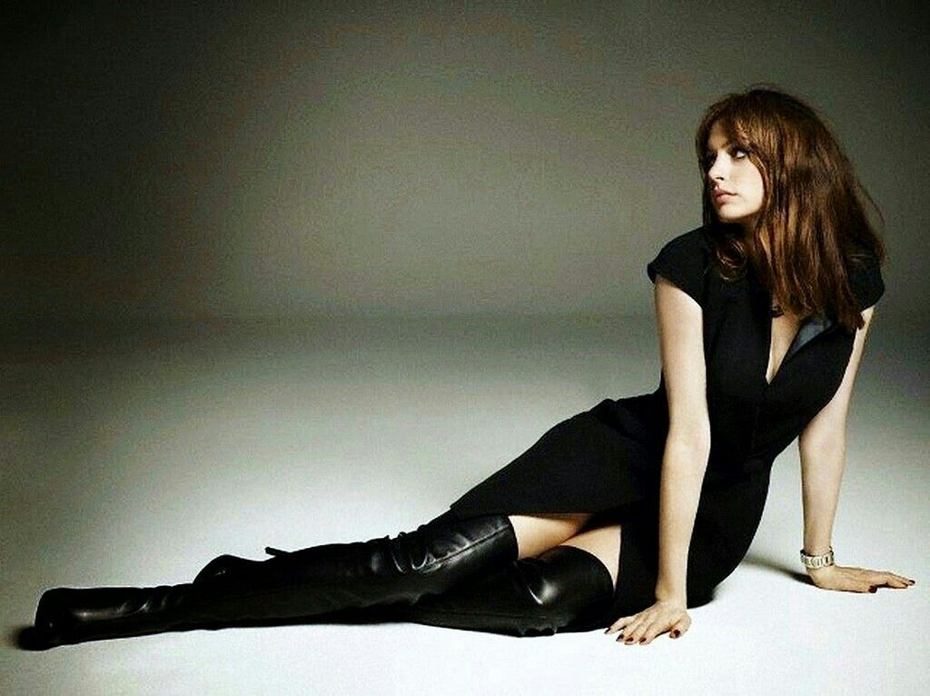 My Celebrity: Anne Hathaway Leather Boots - GQ Spain July 2012