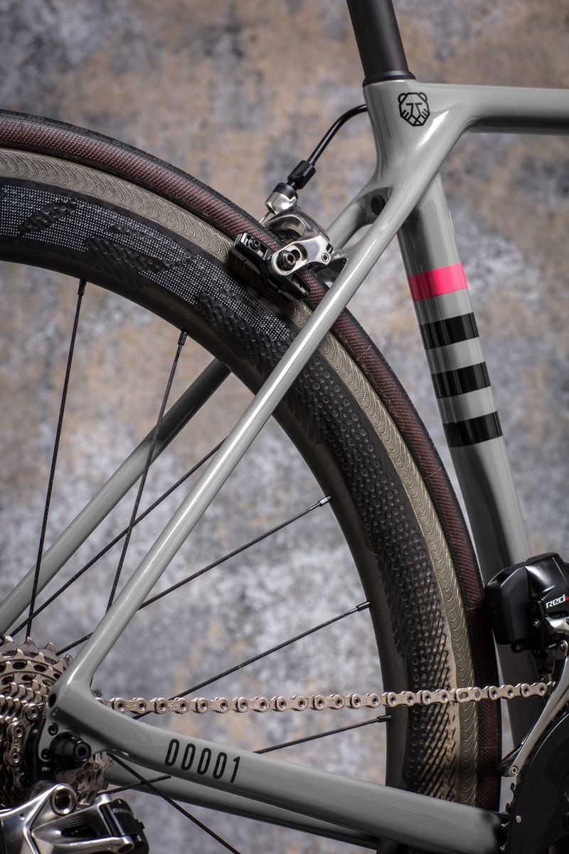 Canyon Ultimate Slx Bikes Wheel With Images Rapha Cycling