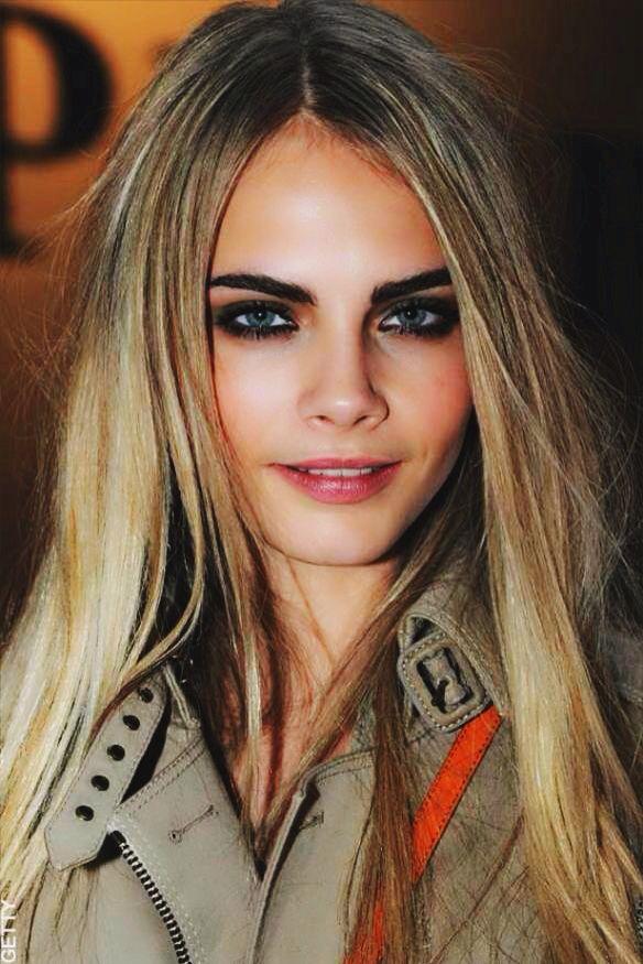 Cara Delevingne Cara Delevingne Hair Blonde Hair Dark Eyebrows