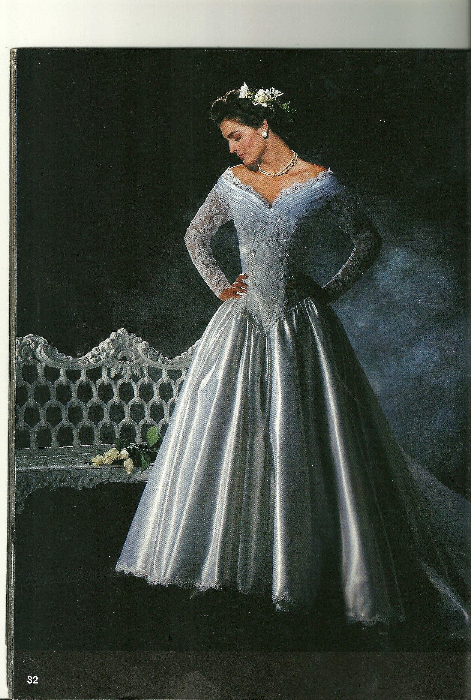 Pin von Charlene Maroni auf 1990\'s wedding gowns & dresses ...