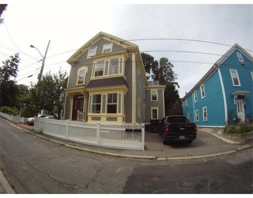In Salem Ma Condos For Rent Renting A House House Styles