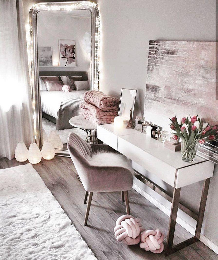 Epingle Par Adele Sur Decoration En 2020 Idee Deco Chambre