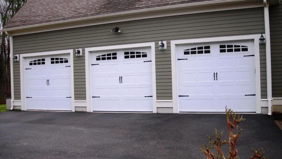 Carriage House Stamped Chi Overhead Doors Carriage House Doors Garage Door Styles Garage Door Types