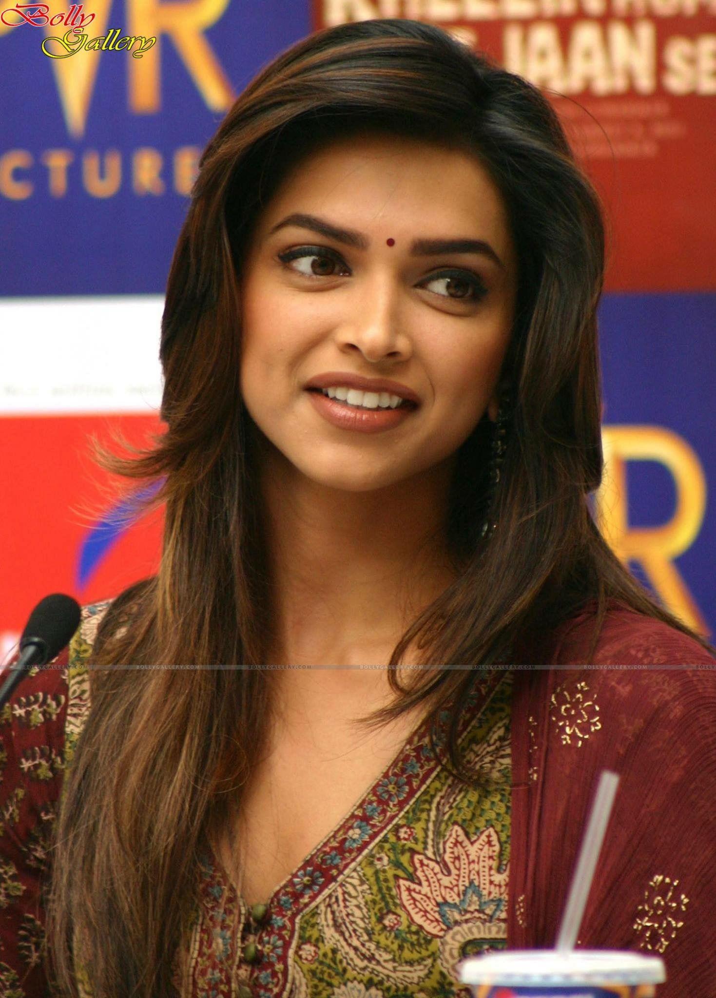 Deepika Padukone | Priyanka chopra haircut, Deepika ...