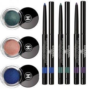 Oltre alla palette, il trucco dedicato a gli occhi comprende gli ombretti mono ILLUSION D'OMBRE in 3 colori: NR. 118 MOONLIGHT PINK (beige rosato), NR. 126 GREEFITH GREEN (verde), NR. 122 OCEAN LIGHT (blu). A completare il trucco occhi ci sono gli STYLO YEUX WP, matite/eyeliner resistenti all'acqua in tre colori: NR. 926 PURPLE CHOC (viola), NR. 924 FERVENT BLUE (blu vibrante) e NR. 925 PACIFIC GREEN (verde con riflessi dorati).