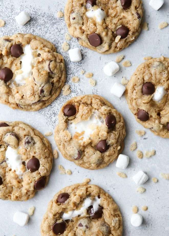 Rice Krispie Treat Chocolate Chip Cookies #chocolatemarshmallowcookies