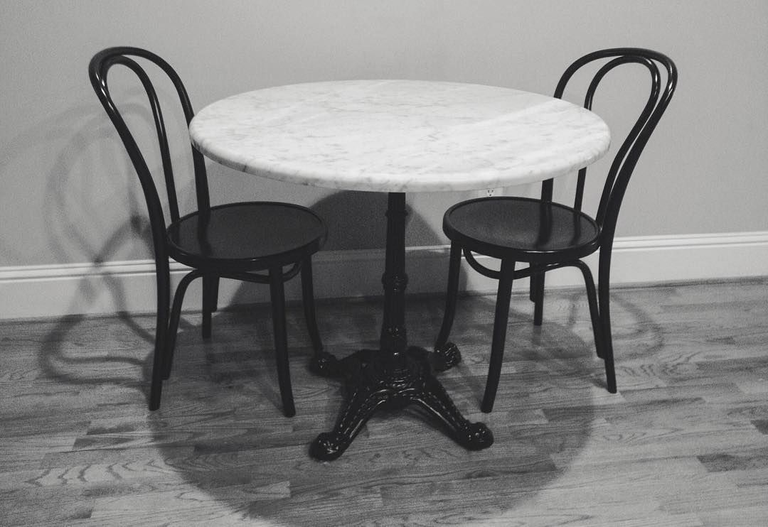 A Petit Marble Bistro Table Supported By Our Brasserie Series Cast Iron  Table Base. Très