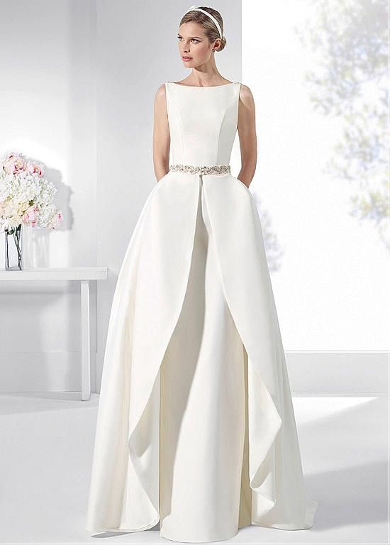 Buy discount Fascinating Satin Bateau Neckline 2 In 1 Wedding Dress With Beadings & Detachable Skirt & Pockets at Dressilyme.com