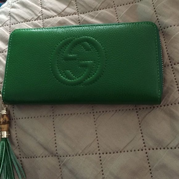 Gucci soho zipper wallet Authentic Gucci wallet  used handful of times , no visible wear, no box. Gucci Accessories