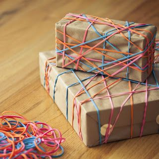 Wrapping idea with rubber bands