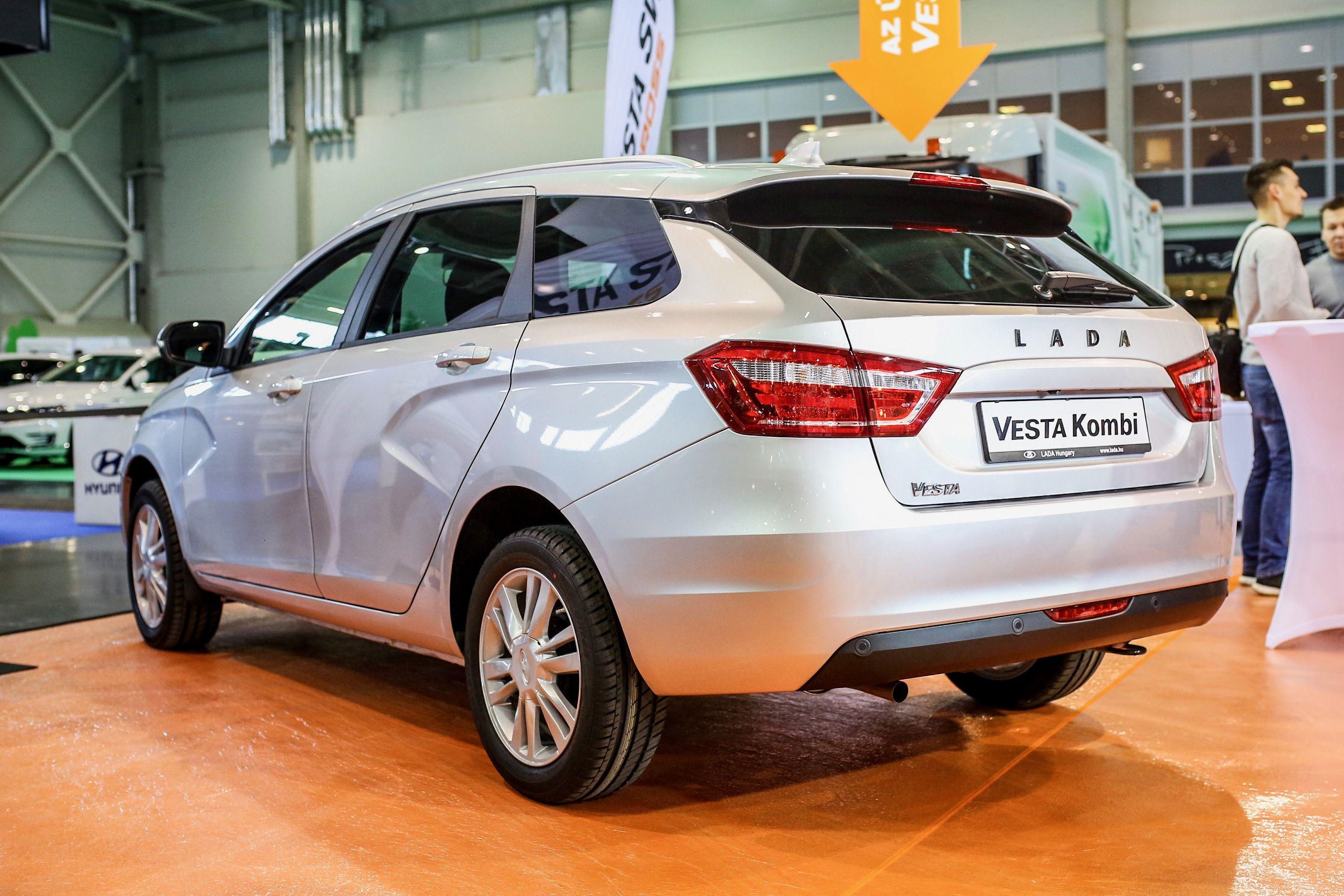 Lada Vesta Kombi Es Sw Cross Lada Vesta Vesta Upcoming Cars