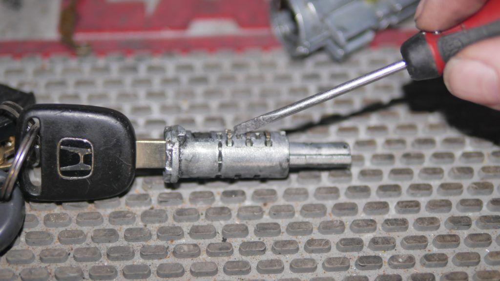 Broken Key Extraction Dallas Broken keys stuck in ignition