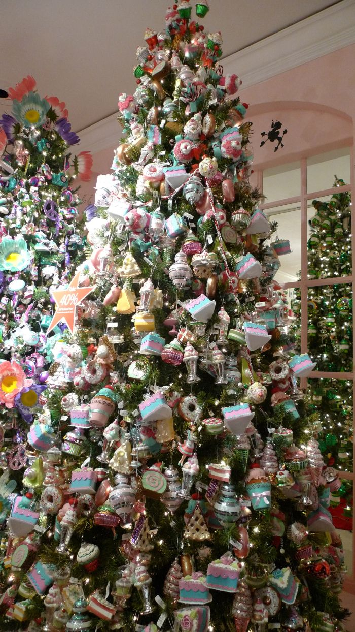 Macyu0027s Christmas Decoration Shop New York City | Christmas Shops Around The  World