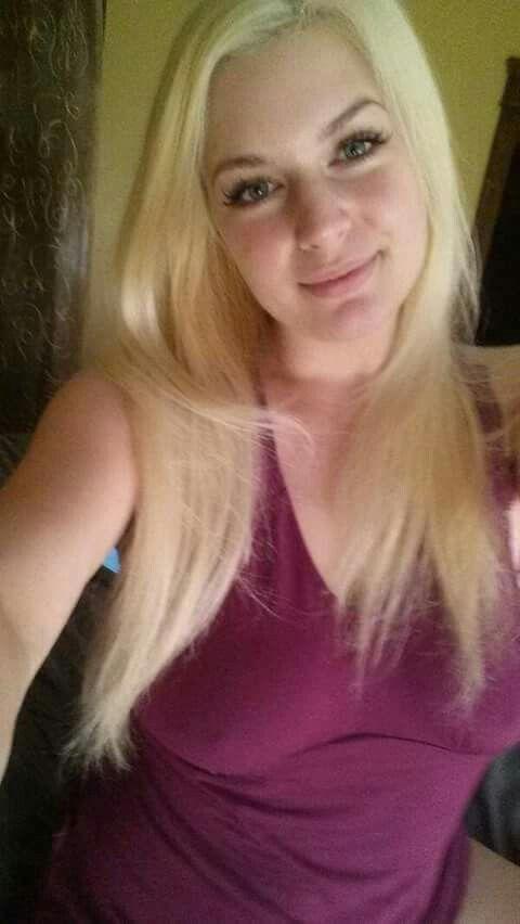 Pin by Russell Jordan on Facebook ladies | Gorgeous blonde