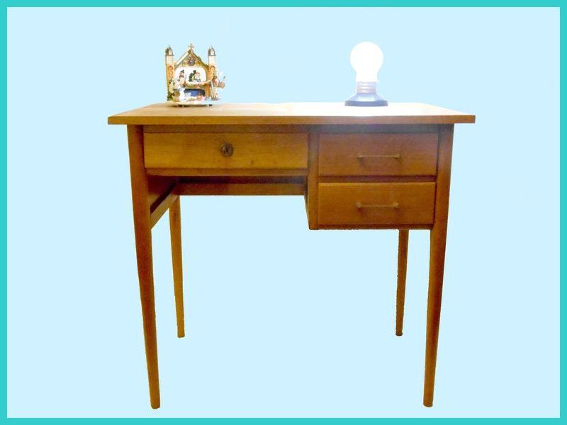 petit bureau d 39 ecolier tendance deco vintage meubles design vintage scandinave pinterest. Black Bedroom Furniture Sets. Home Design Ideas