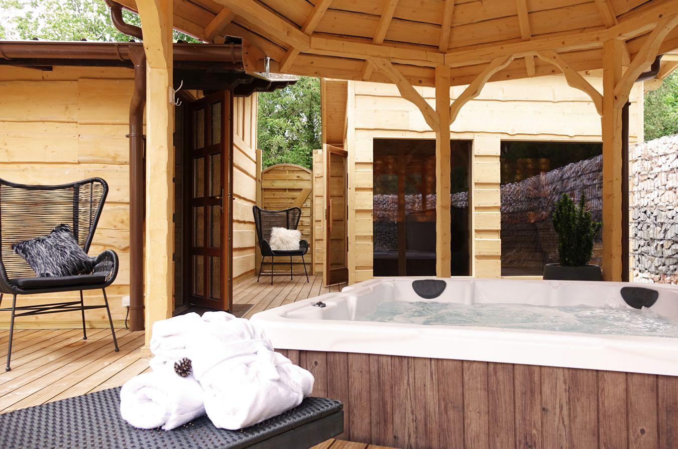 Chalet Desir Experience Insolite En Chalet De Luxe Avec Jacuzzi Et Sauna Exterieur Prive Jacuzzi Exterieur Sauna Exterieur Jacuzzi