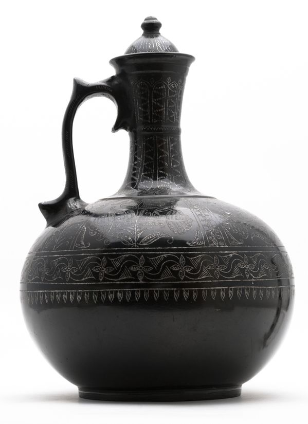 Full-bodied water vessel with simple ring base and long slightly constricted neck widening at the mouth which has a flat rim. [...] | Horniman Museum and Gardens | CC0