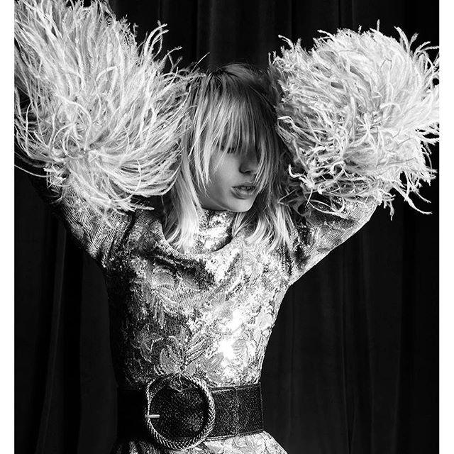 Lili Sumner by Hedi Slimane, 2016. #saintlaurent #saintlaurentcamapaign #ysl #fall #winter #2016 #2017 #lilisumner #gracehartzel #didiermalige #hedislimane #aarondemey #fashion #fashionphotography #editorial #photography #beautyphotography #hair #photosho