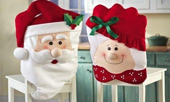 Neste ano invista em enfeites natalinos para cadeiras, para deixar a sua casa com visual ainda mais