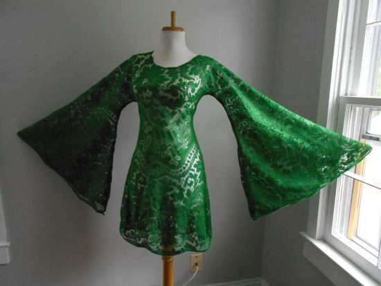Vintage 1960s 1970s Sheer GREEN Crochet Lace  Angel Bell by atomix