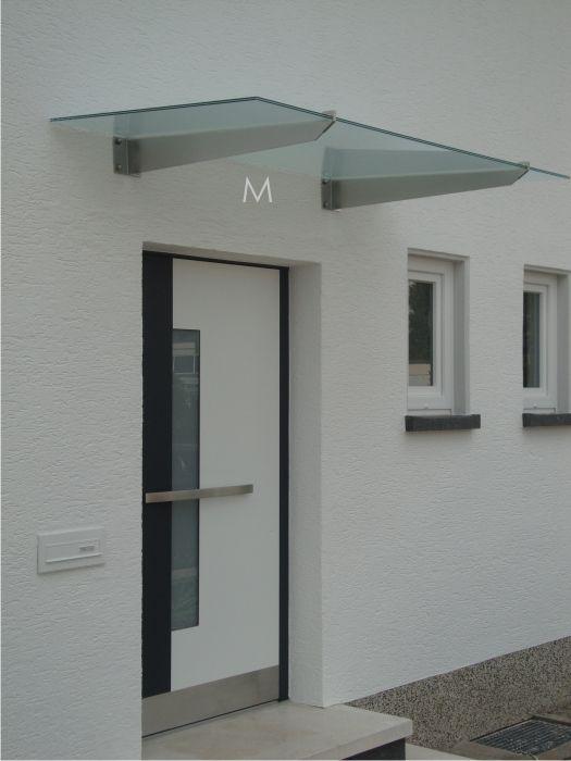 Edelstahl Glasvordach Im Schlichten Modernen Stil Mit