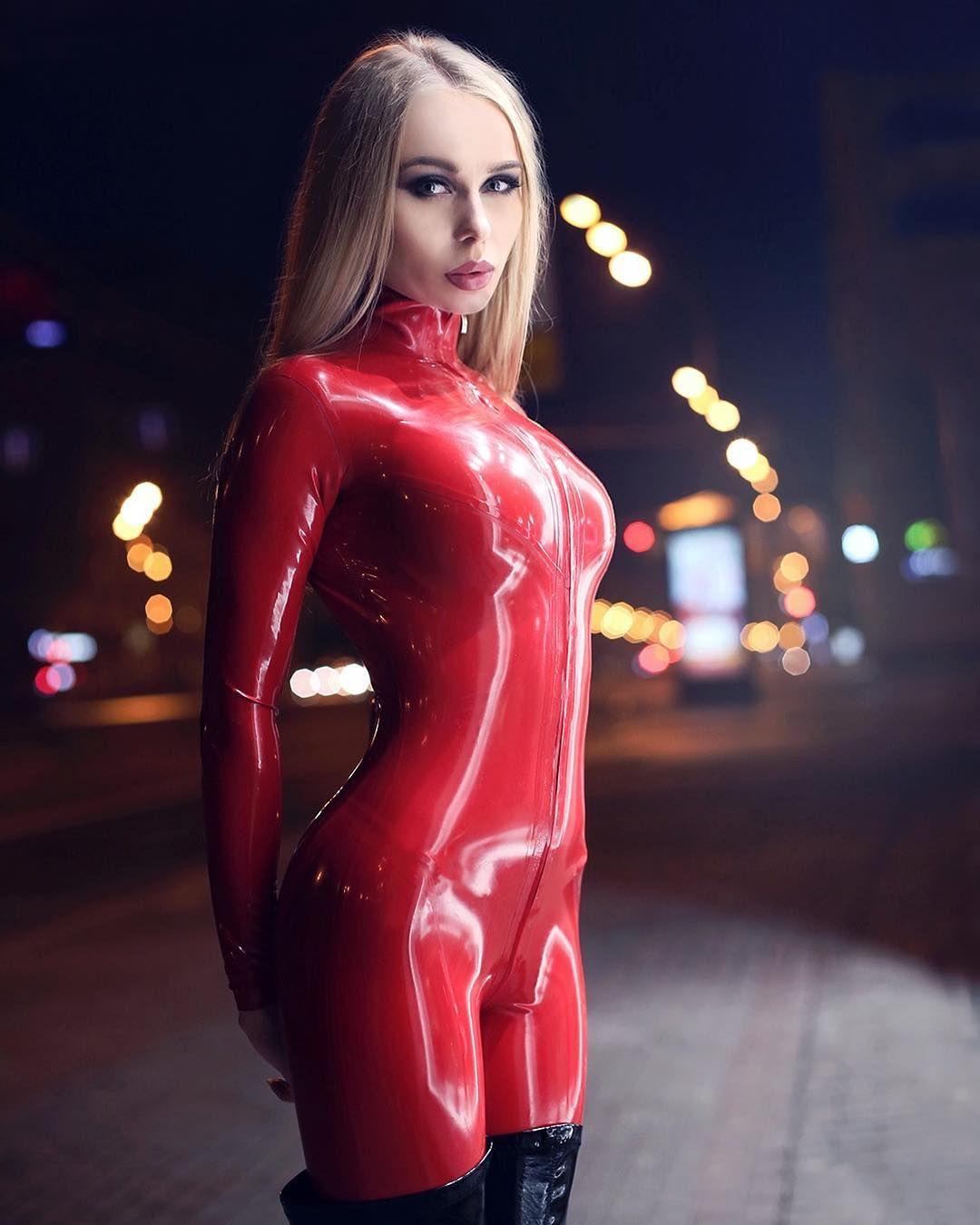 Younger woman sara redz
