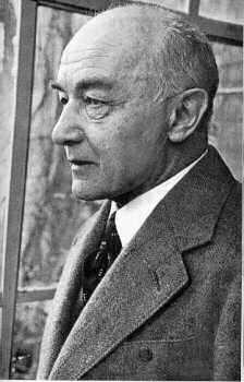 Hoy, miércoles 6 de noviembre, celebramos y leemos a Robert Musil (Klagenfurt, 6 de noviembre de 1880 – Ginebra, 15 de abril de 1942)