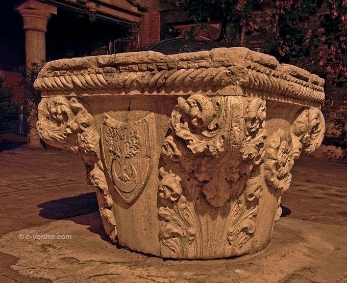 puits corte Petriana Venise