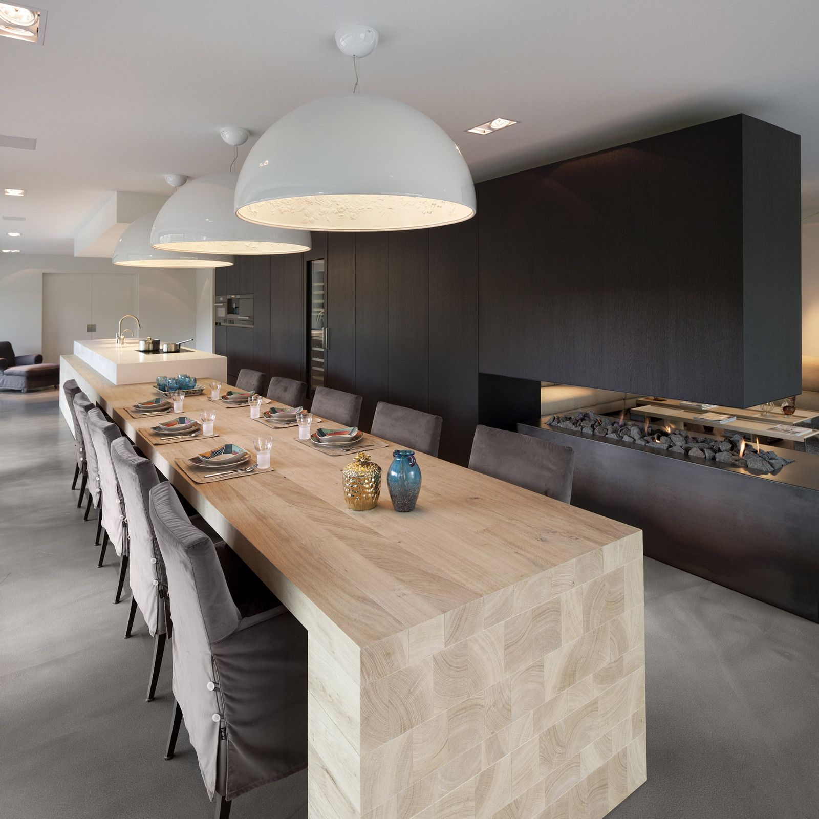 Cuisine design blanche et bois avec lot voici une cuisine for Belles cuisines contemporaines