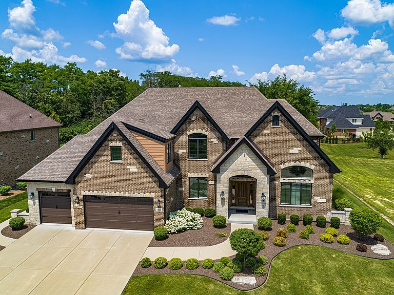 11060 Deer Haven Ln, Orland Park, IL 60467 in 2020 Patio