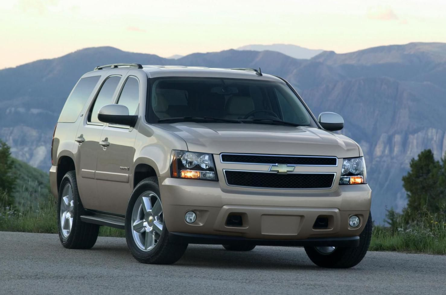 Chevrolet tahoe photos and specs photo tahoe chevrolet characteristics and 23 perfect photos of chevrolet tahoe