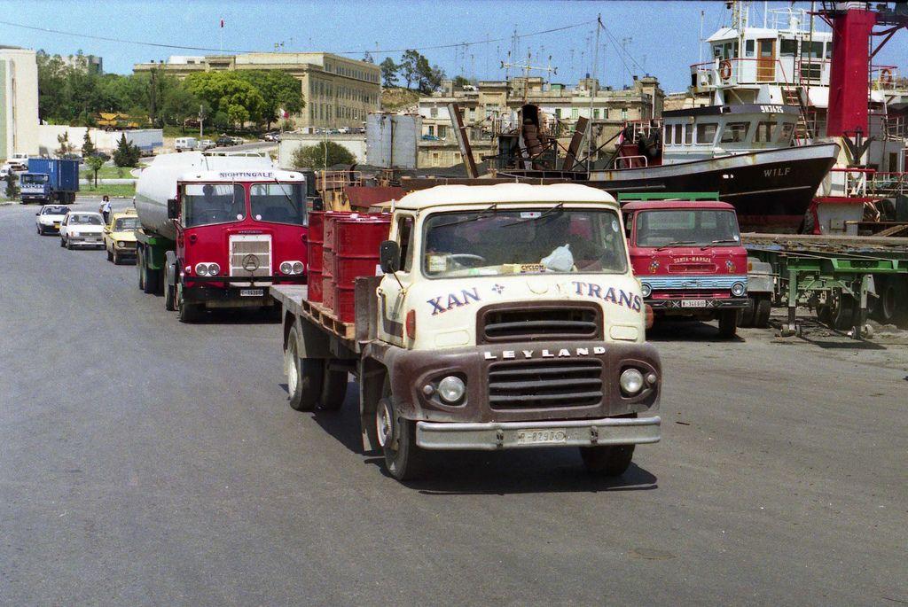An Overload Of Classic British Lorries Old Lorries Vintage