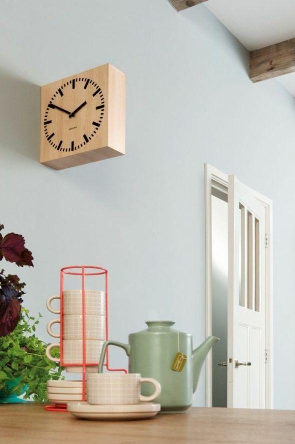idée déco murale originale horloge de cuisine en bois