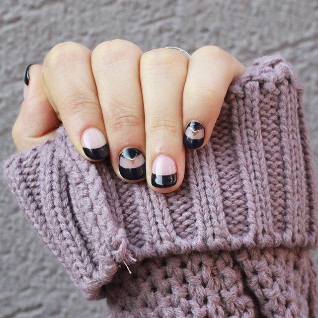 [#유니스텔라트렌드]  #더블프렌치 #doublefrench #frenchnails #유니스텔라 #네일디자이너  #unistella #gelnails #nailart  #nails #nail #nailedit #nailswag ✔️유니스텔라 내의 모든 이미지를 사용하실때 사전 동의, 출처 꼭 밝혀주세요❤️