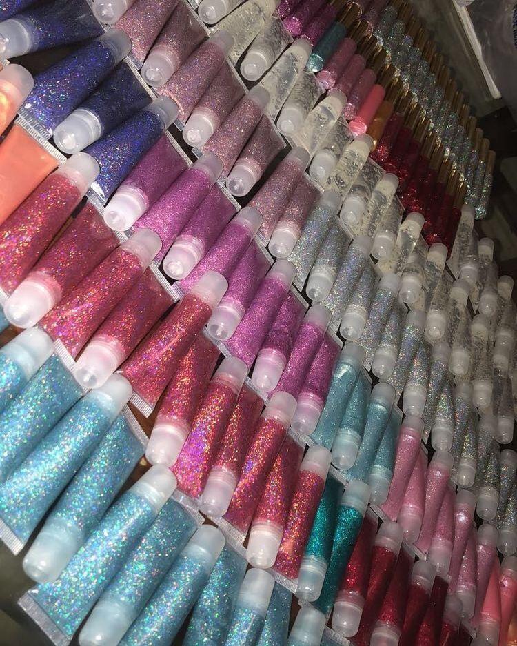Pinterest xbrattt ️💖 Glitter lip gloss, Lip gloss