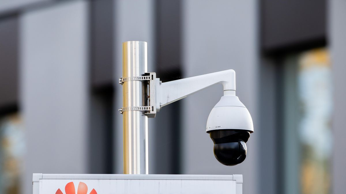 How to find a hidden camera in your house or airbnb or