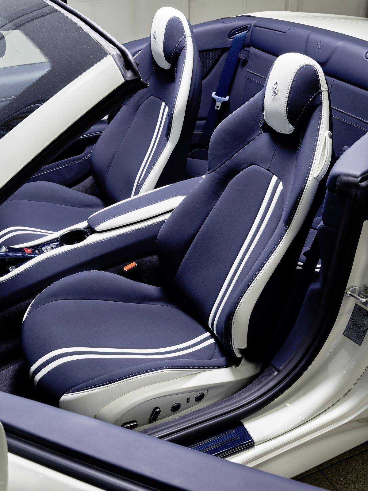 california show t kent cover furlonger in at simon for sale ferrari cars ashford used car