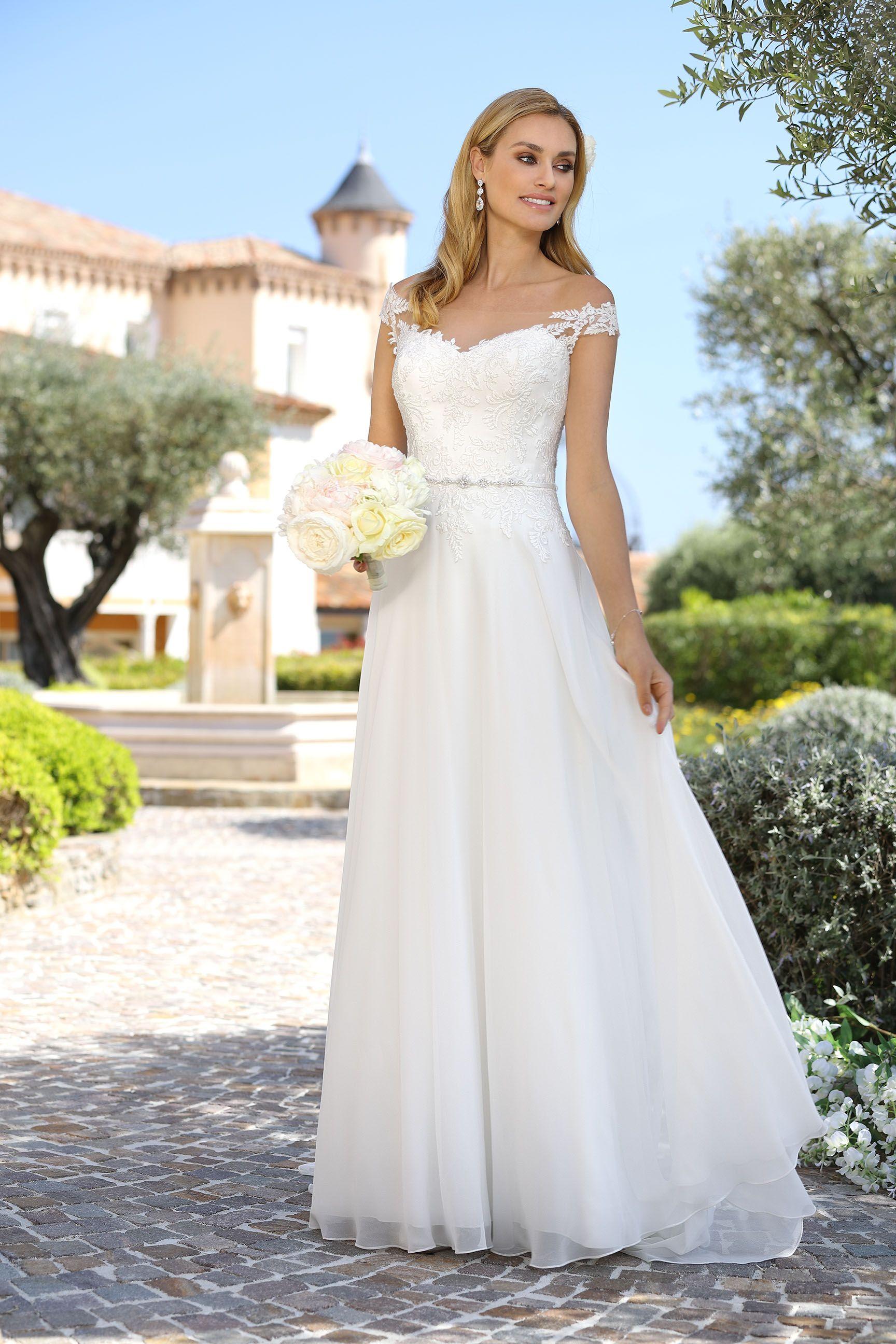 Affordable bohemian wedding dresses  g   varios  Pinterest  Dream wedding