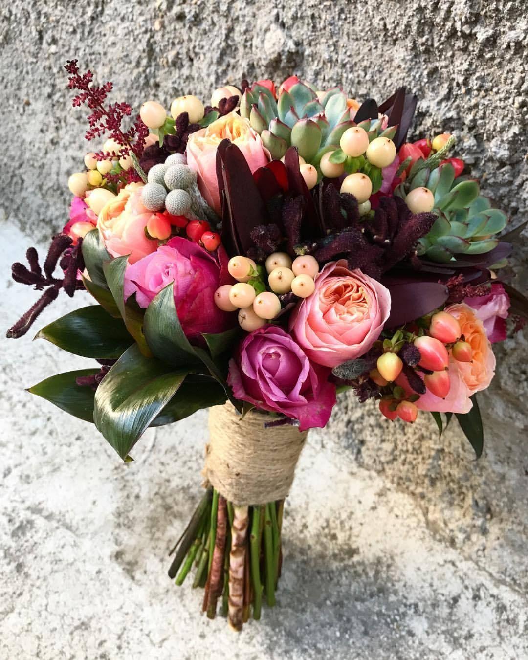 Renkli bir gün olsun! #queenandthegardener #underthefloralspell #floristsofinstagram #instaflorist #bridalgoals #gelinbuketi #ankaragelinbuketi (at Ankara, Turkey)...