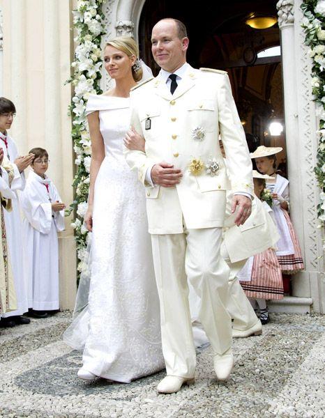 Pin Von M M Auf Royal Wedding Of Prince Albert Ii Of Monaco Charlene Prinzessin Charlene Konigliche Hochzeit Furstin Charlene