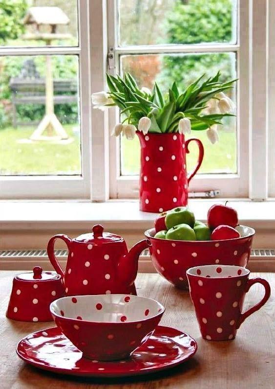 pin von jessica auf paint your style ideen auf keramik rote k che rot weiss und teetasse. Black Bedroom Furniture Sets. Home Design Ideas