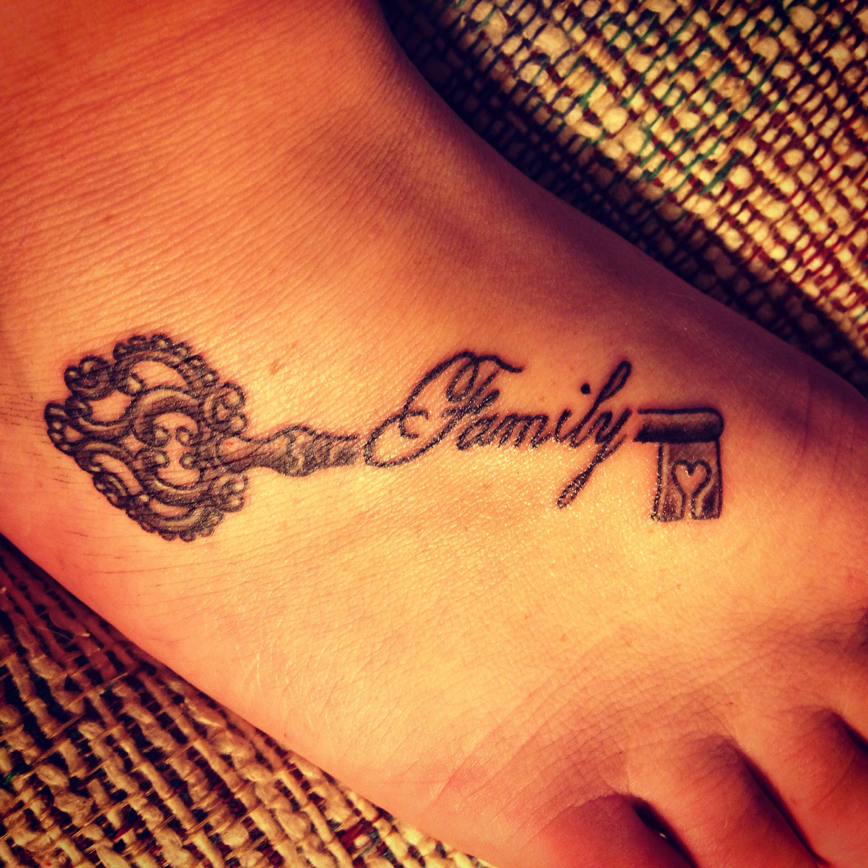 family key tattoo tattoos pinterest key tattoos. Black Bedroom Furniture Sets. Home Design Ideas