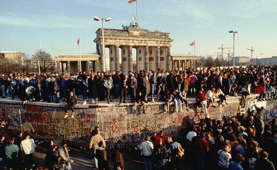 berlin crisis of 1961 from perspective The berlin crisis of 1961 (german: berlin-krise) occurred between 4 june – 9 november 1961, and was the last major politico-military european incident of the cold war about the occupational.