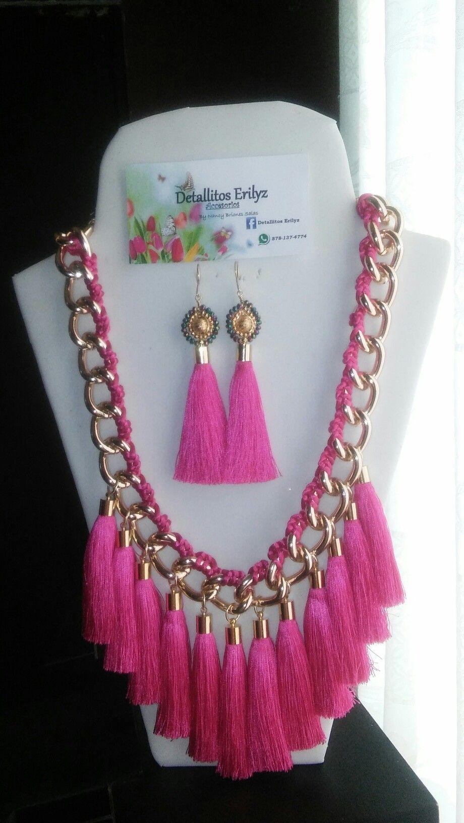 9284c59bfea6 Collar y aretes con borlas en rosa fiusha  Bisutería