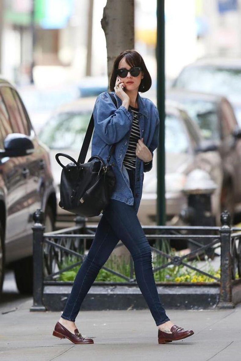 ideas para usar una chaqueta de denim con blue jeans