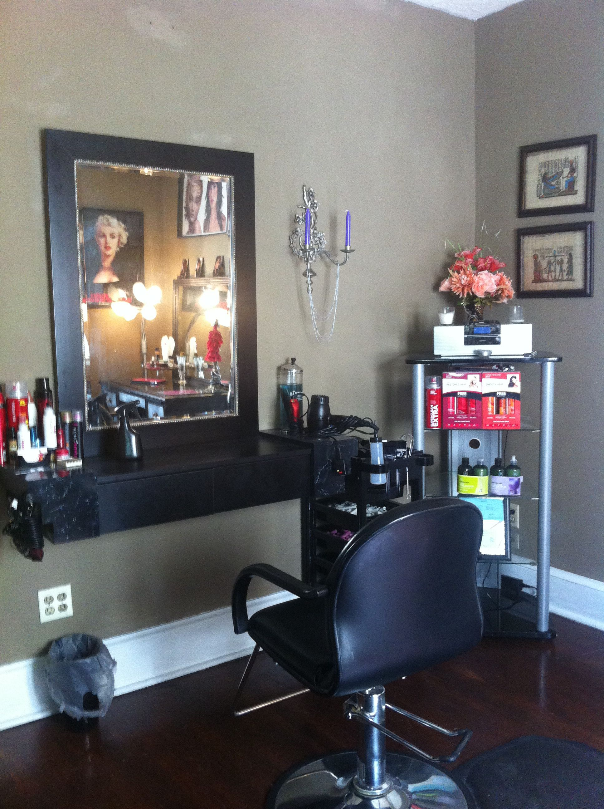 In home hair salon ideas  Decoracion de salon de belleza