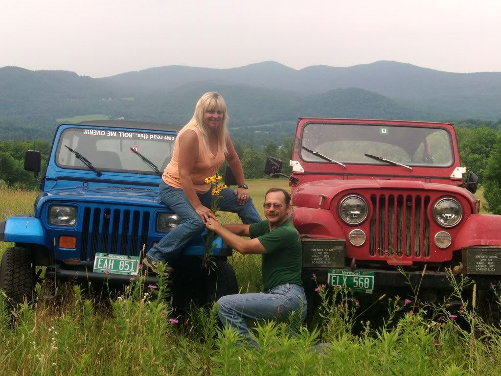 Wedding party in their Jeep #Wrangler 4x4s. | Jeep wedding