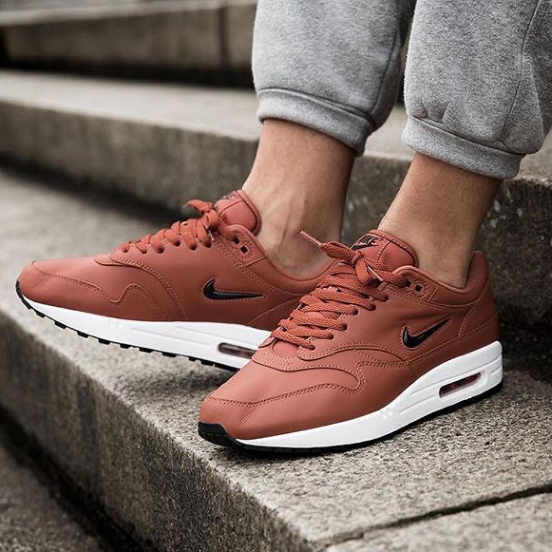Fashion · Nike Air Max 1 x SC Jewel Premium Dusty Peach